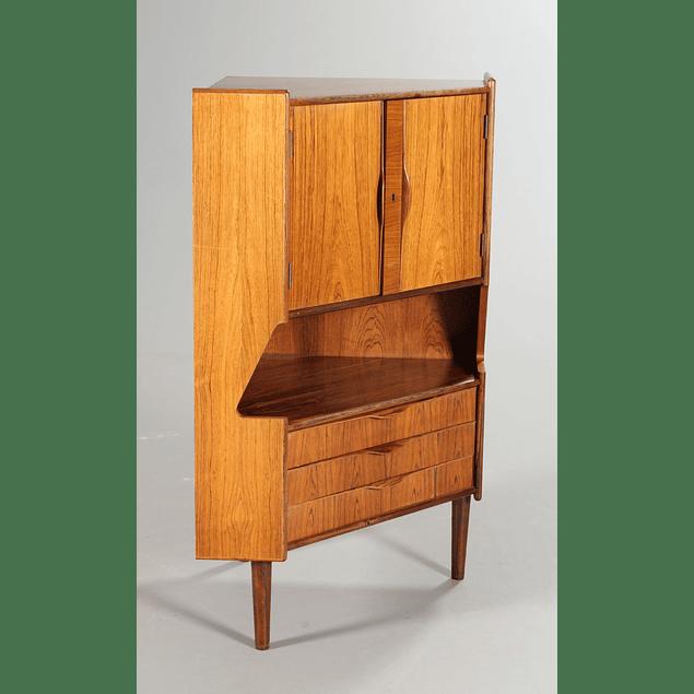Small corner Bar design 60s