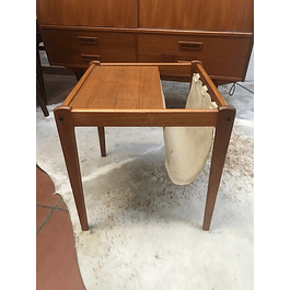 magazine stand table