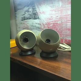 magnetis balls wall lamp