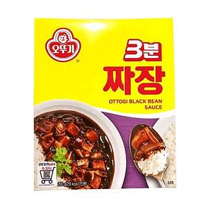 Pasta de poroto negro (Jajjang) - 3 Minutos