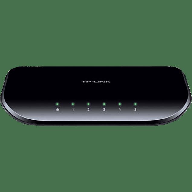 Switch Gigabyts Modelo SG1005D, no administrable 10-/100-/1000 MBPS