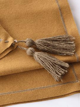 Carpeta Juego de paño camel y pompón