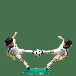 Figura Super Campeones N°05 El Tiro Combinado de Oliver y Tom