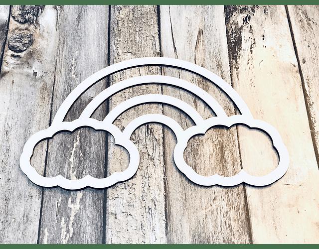 Arcoiris con nube blanco