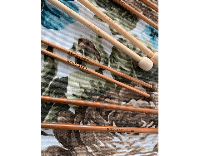 Palillos cortos de bambú  distintos grosores