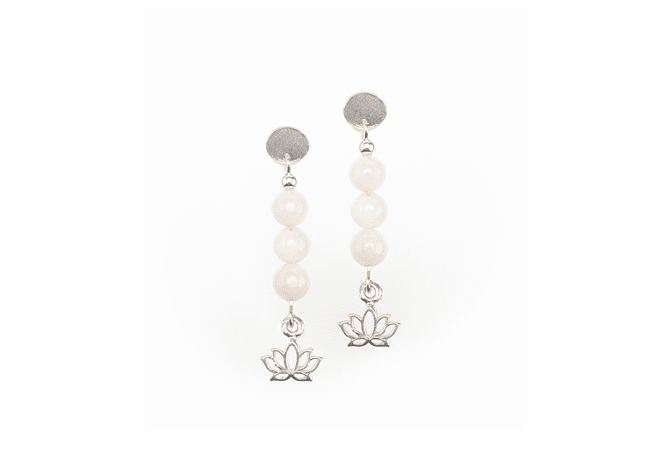 Aros flor de loto de plata y piedra luna