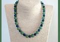 Collar de piedras jade verde y azurita
