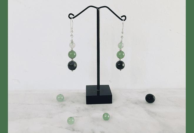 Aros de piedras jade verde, ágatas verdes y detalles de plata