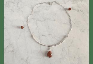 Collar de plata y gota de piedra del sol facetada