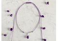 Collar de hilo regulable con gota de piedra amatista facetada y detalles de plata
