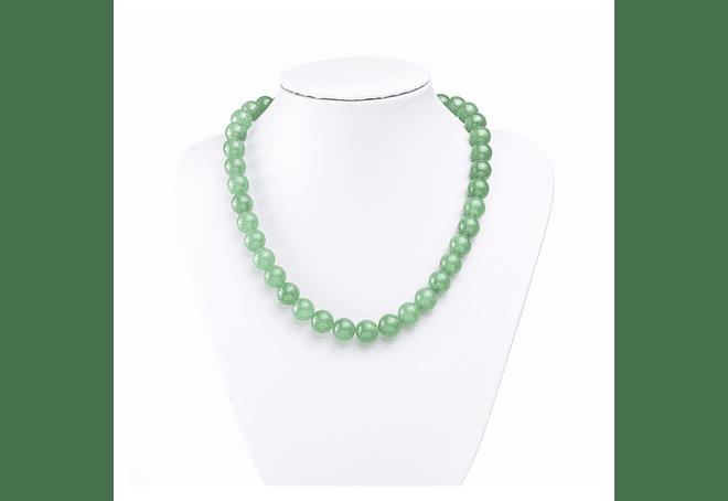 Collar de piedras jade verde