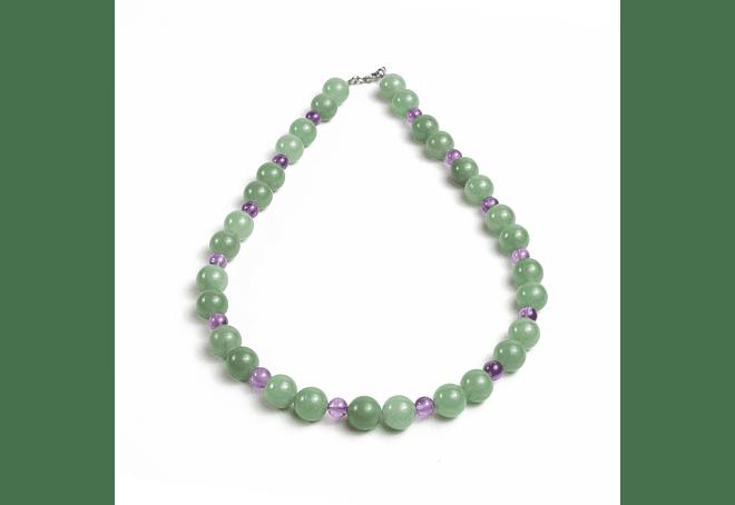 Collar de piedras jade verde y amatista