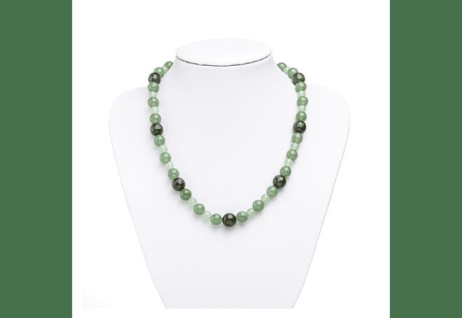 Collar de piedras jade verde y ágatas verdes