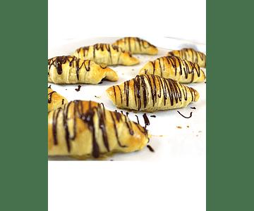 Croissant Rellenos con Chocolate (Hornear)