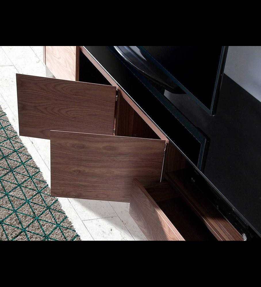Móvel de TV folheado a madeira de Nogueira e tampo em vidro
