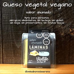 Queso Ahumado 100% vegetal laminado a base de aceite de coco