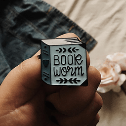 "Pin ""book worm"""