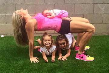 Entrenadora Fitness y mamá de 3, entrena con sus hijas.