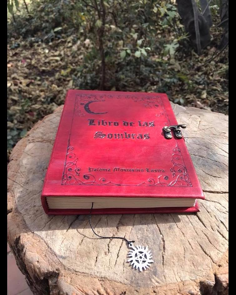 Libro de las Sombras LuNA