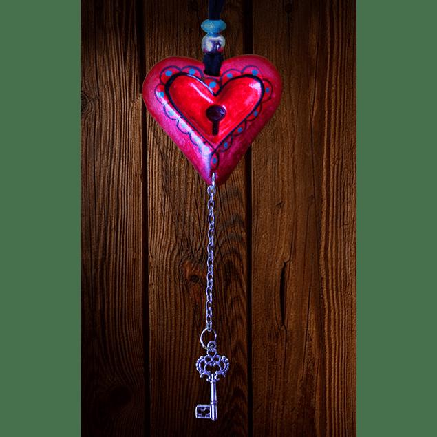 Dije corazón con llave
