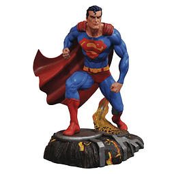 DC Gallery PVC Statue Superman
