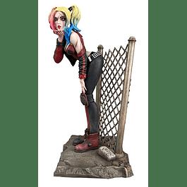 DC Comic Gallery PVC Statue DCeased Harley Quinn