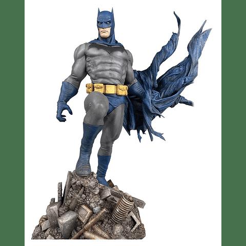 DC Comic Gallery PVC Statue Batman Defiant