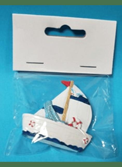 Barco com autocolante