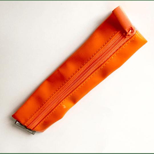 Estuche con banda elastica naranjo