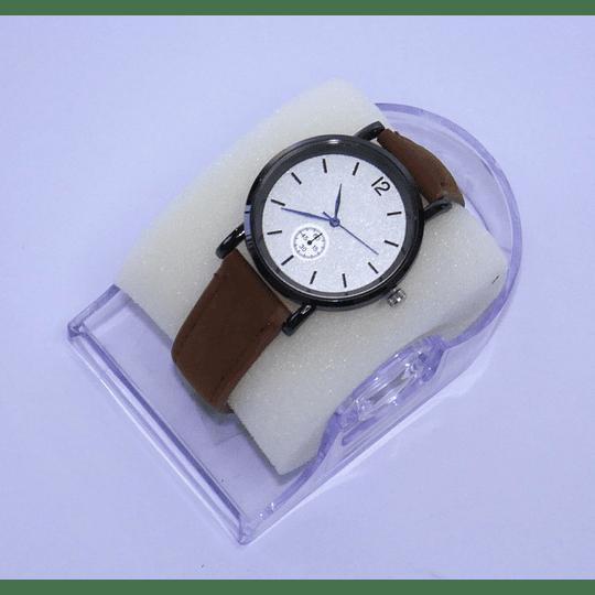 Reloj de pulsera café