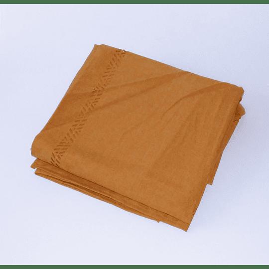 Mantel Prepicado 170x170 Amarillo Dorado