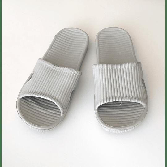 Zapatillas de Baño - Bath Slippers Gris Talla 41-42