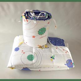 Cobertor y protector cuna estampado planetas