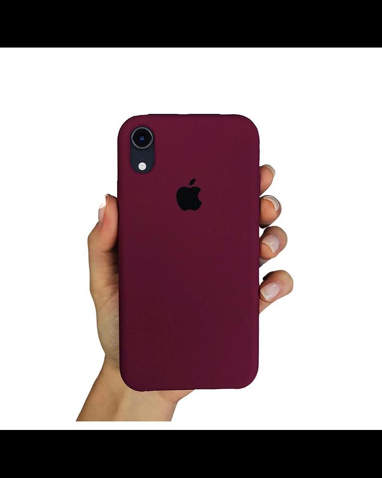 Carcasa silicona iPhone 11 Ciruela
