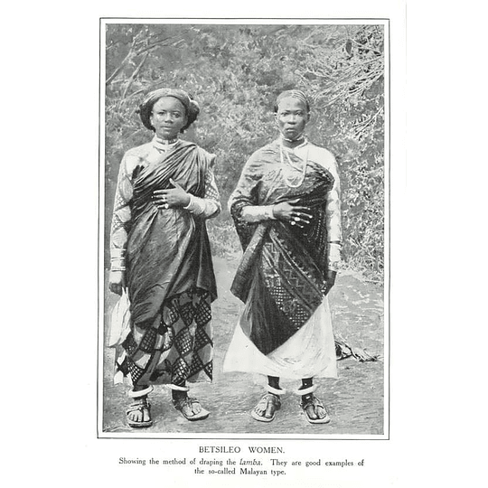 1910 Betsileo Women, Showing Method Of Draping Lamba