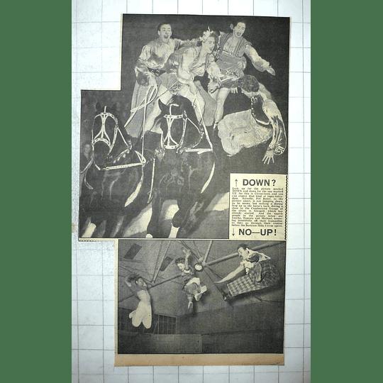 1950 Daring Horseback Riding By Cumberland Troupe In Glasgow, Pat Baker,