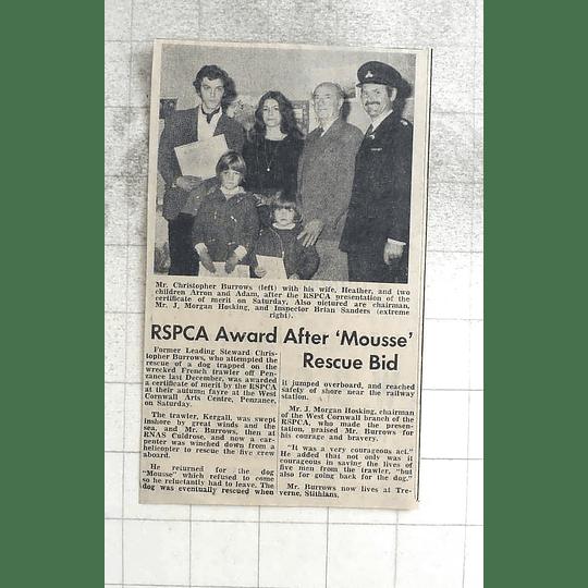 1974 Christopher Burrows, Heather, Children Arron And Adam Rspca Presentation
