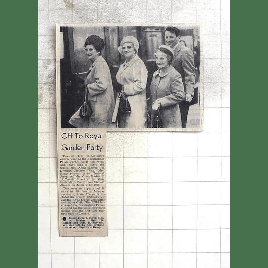 1974 Mrs Barber Mrs Stevens Royal Garden Party Rnli