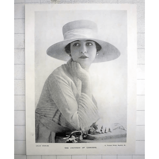 1918 Photo Portrait Of The Countess Of The Lisburne