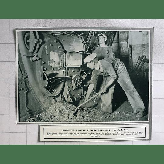 1914 Stokers Feeding Furnaces On British Battleship