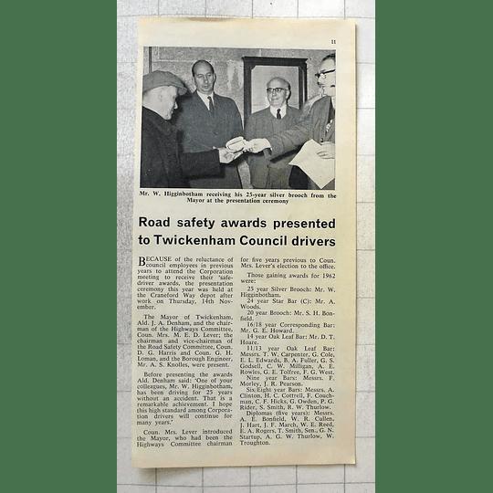 1963 Twickenham Council Driver W Higginbotham Receives 25 Year Brooch