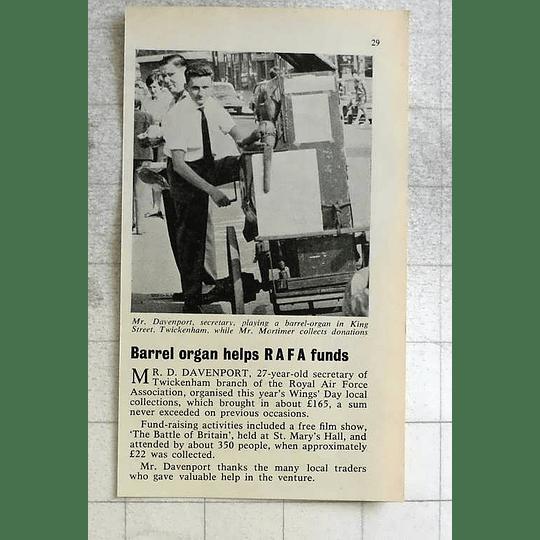 1963 Mr D Davenport Twickenham Raf Playing Barrel Organ King Street