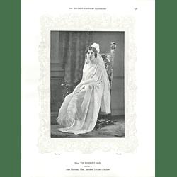 1925 Miss Thursby-Pelham & Miss Joan Hacking