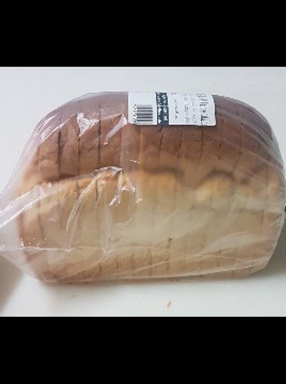 Pão cozido em forno de lenha