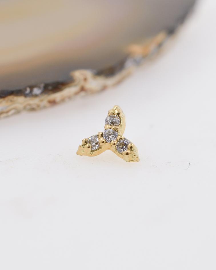 Trinity con zirconia cristal prong set y pyramid balls en oro amarillo – 14g