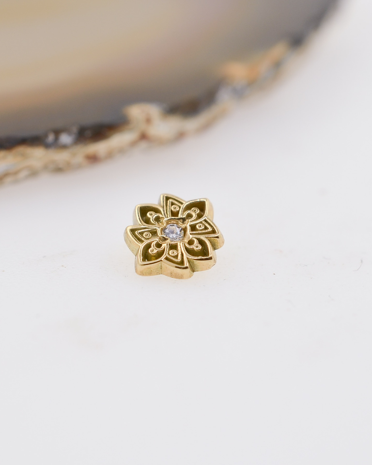 Mándala 8 con zirconia cristal en oro amarillo – 14g