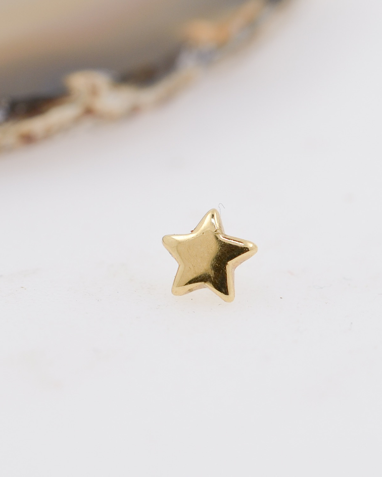 Estrella lisa en oro amarillo – 16g