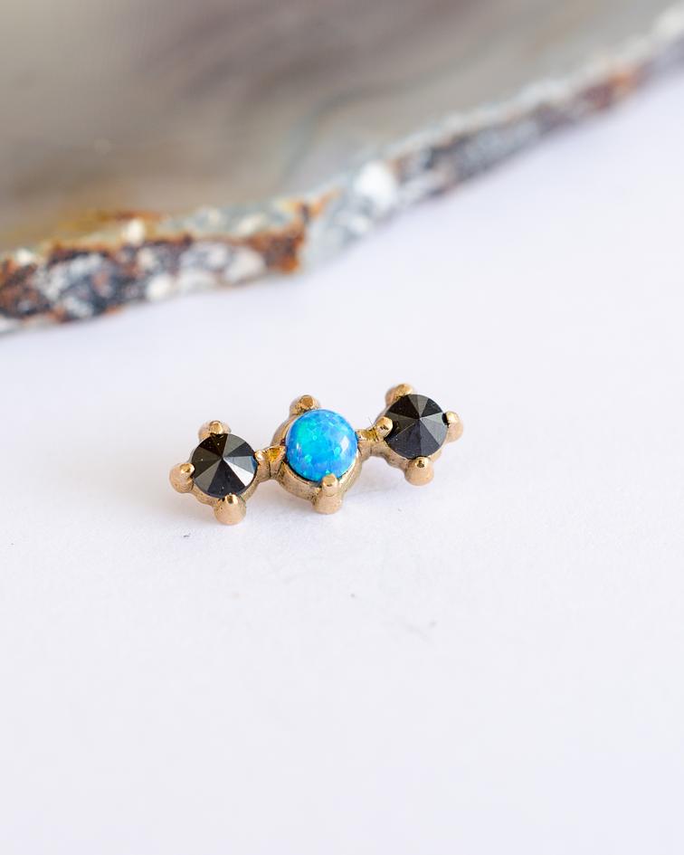 Clúster 3 gemas en línea chico en oro amarillo - 14g