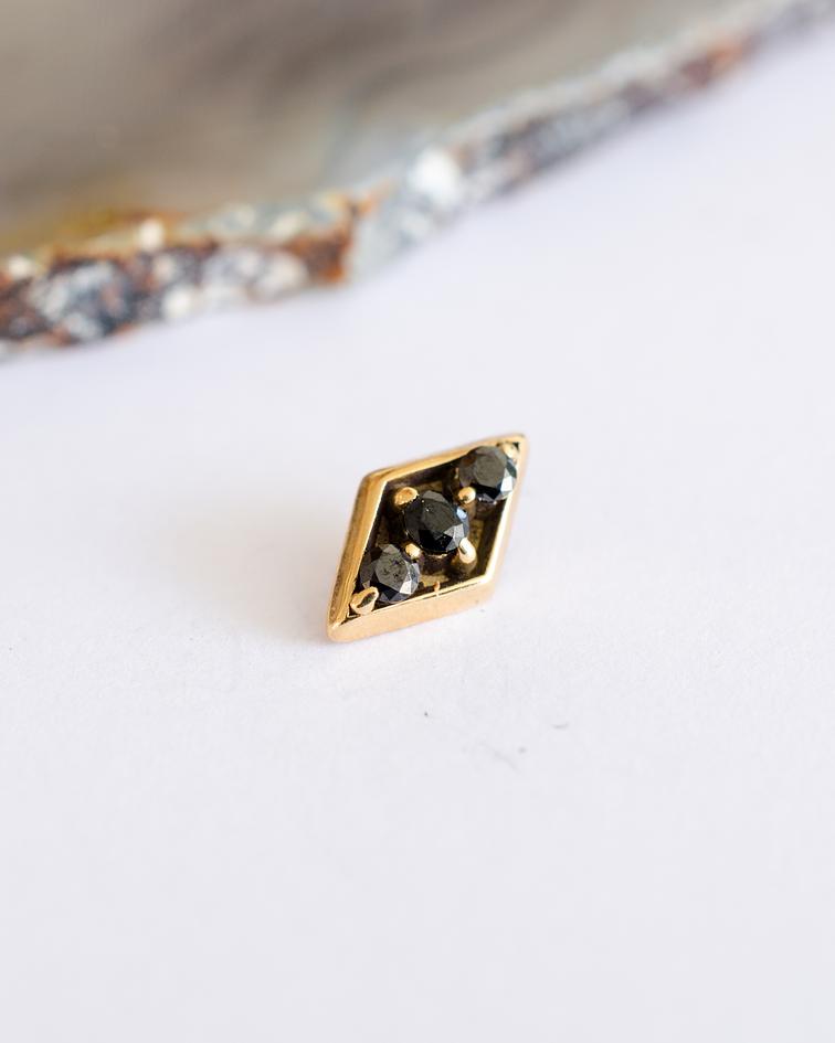 Diamond form 3 gemas en oro amarillo - 14g