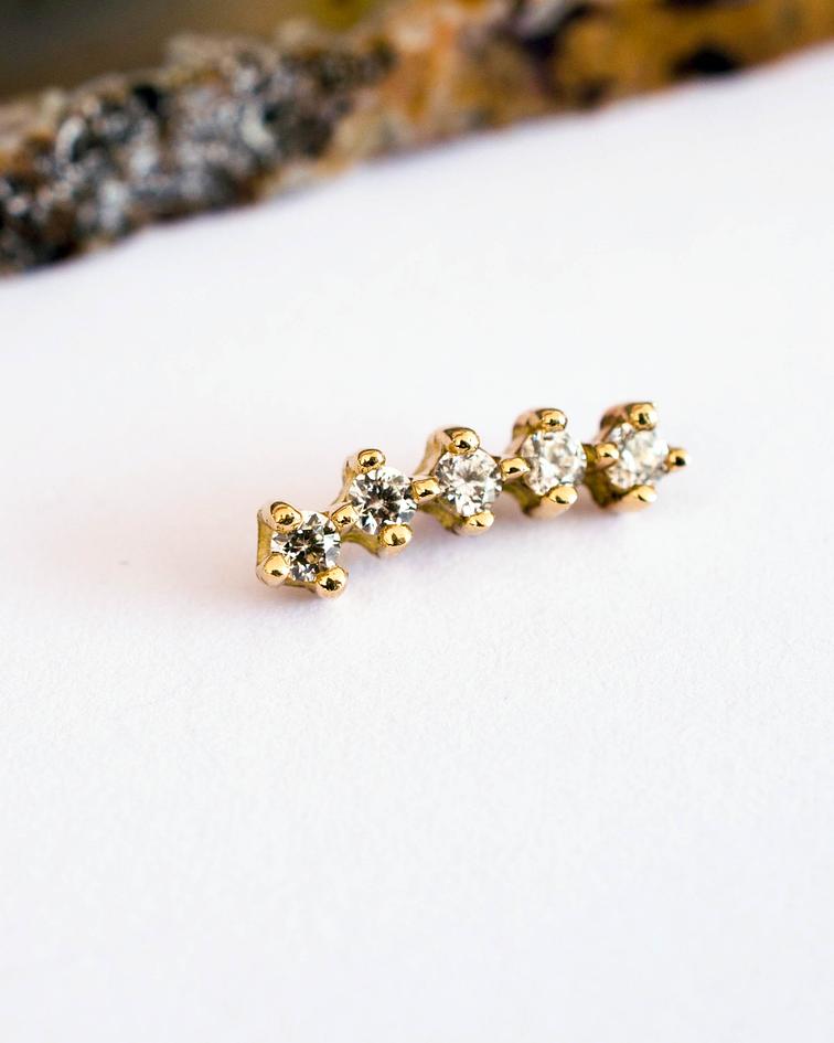 Clúster curvo 5 gemas prong set en oro amarillo - 14g
